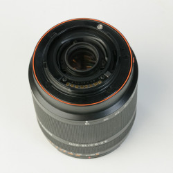 occasion: Sony SAL 18-200 mm 3.5-6.3 A Mount telezoom