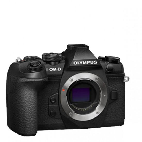 Olympus OM-D E-M1Mark II  + 14-150mm