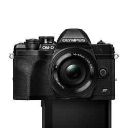 Olympus OM-D E-M10 mark IV  zwart + 14-42mmEZ + 40-150mm