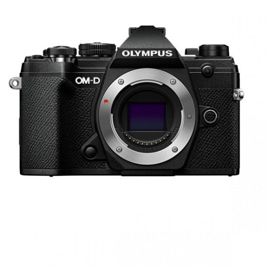 Olympus OM-D E-M5 mark III  zwart + 12-45mm f4 PRO